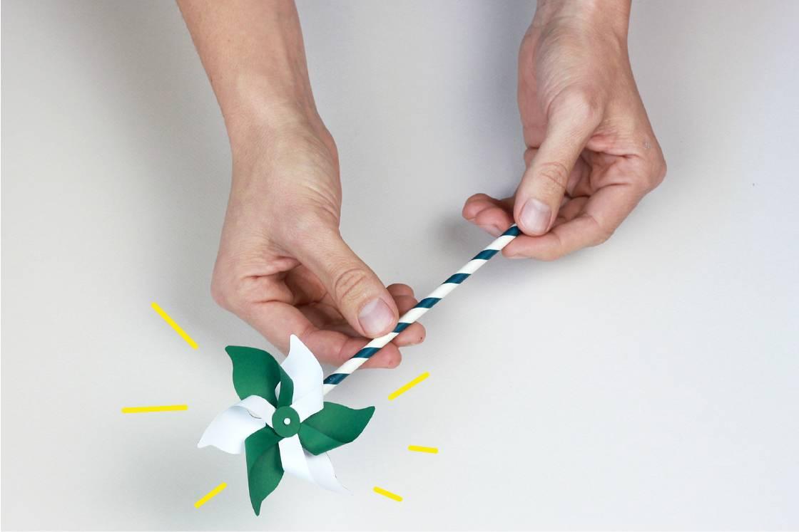 Illustration du moulin à vent en papier terminé
