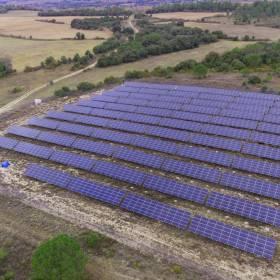 vue drone de parc photovoltaique